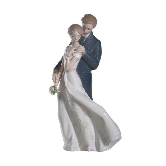 Lladro 'Everlasting Love' Figurine - NEW